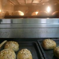 向日葵の種と胡桃と胡麻のパン